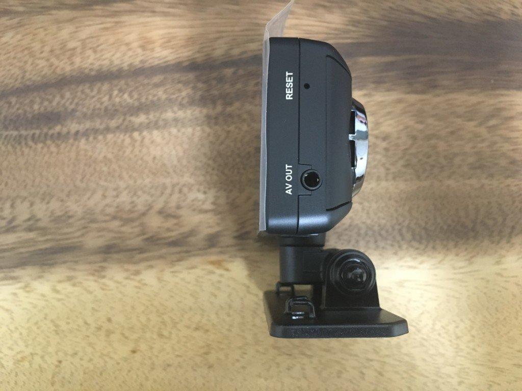 【レビュー|ドライブレコーダー】コムテック HDR-102のAV OUTジャック