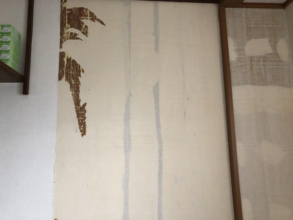 壁紙の張替えにdiyで挑戦 自分で洗面所の壁紙の張替えをやってみた