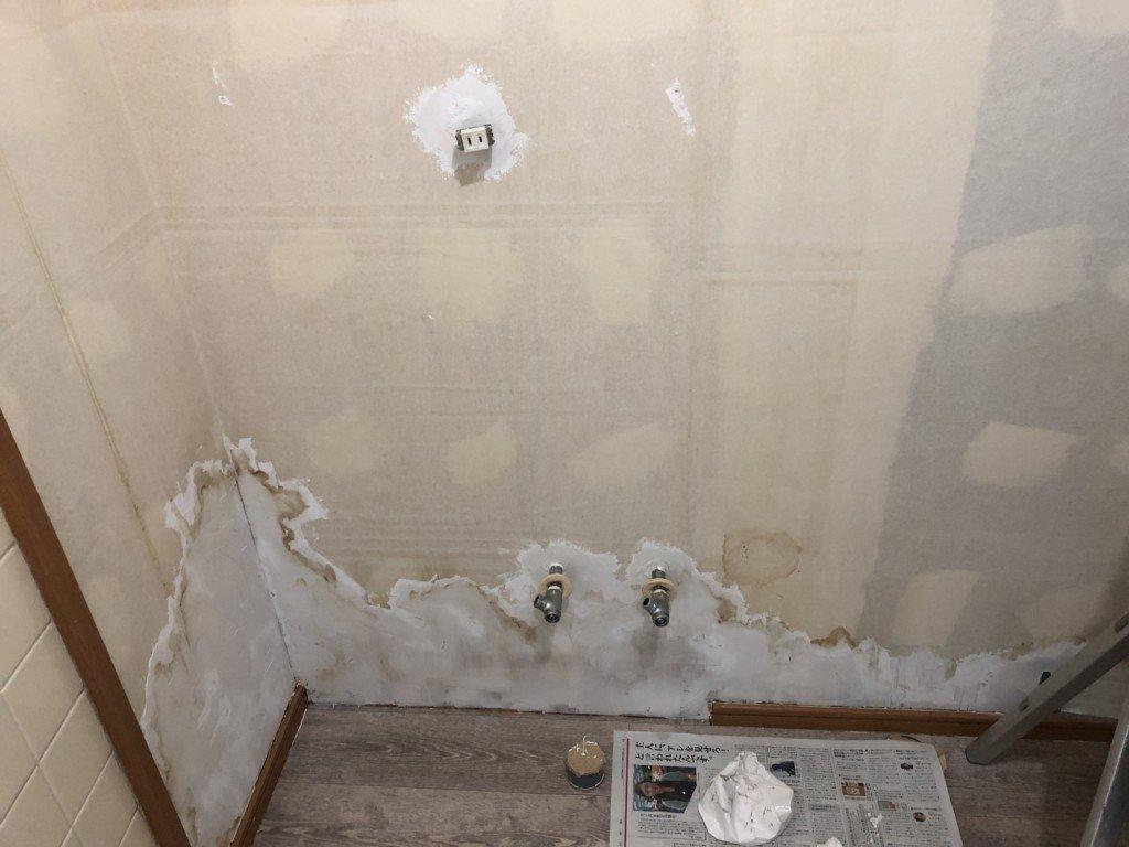 かべパテで壁の補修をした