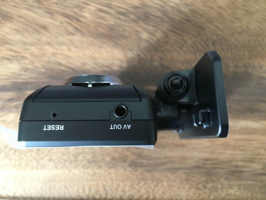 ドライブレコーダー】コムテック HDR-202Gの側面