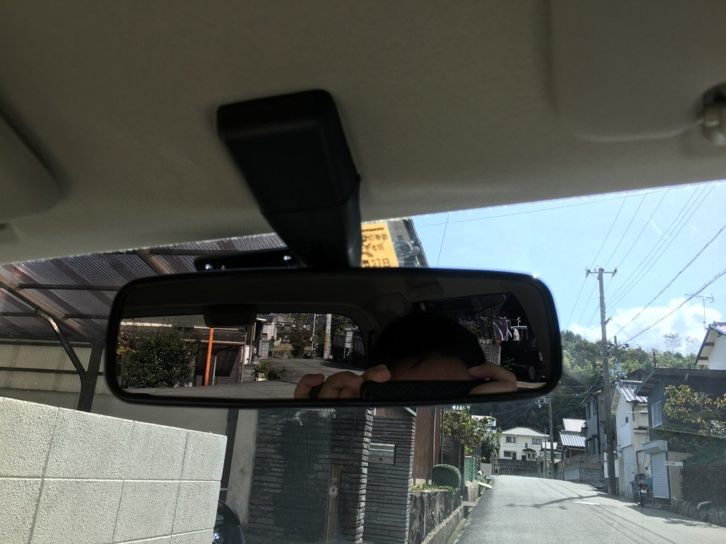車内からドライブレコーダーを見た様子